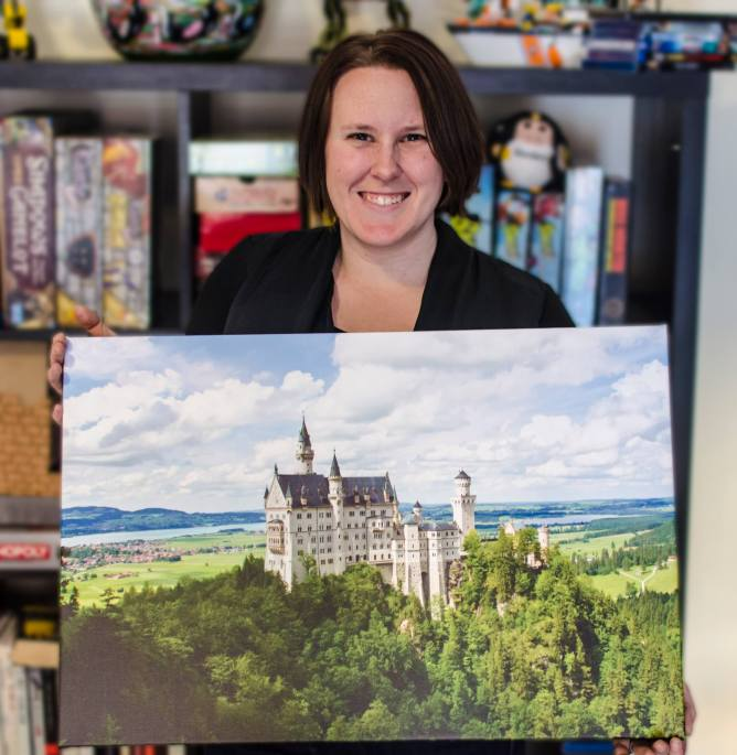 Amanda with her photo of Neuschwanstein Castle